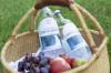 Picknickkorb mit Hornberger Lebensquell, Trauben, Äpfeln und Erdbeeren
