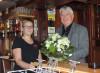 Bürgermeister Scheffold gratuliert Frau Listar zur Eröffnung