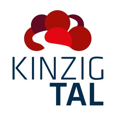 Logo des Vereins Schwarzwald Tourismus Kinzigtal mit rotem Bollenhut