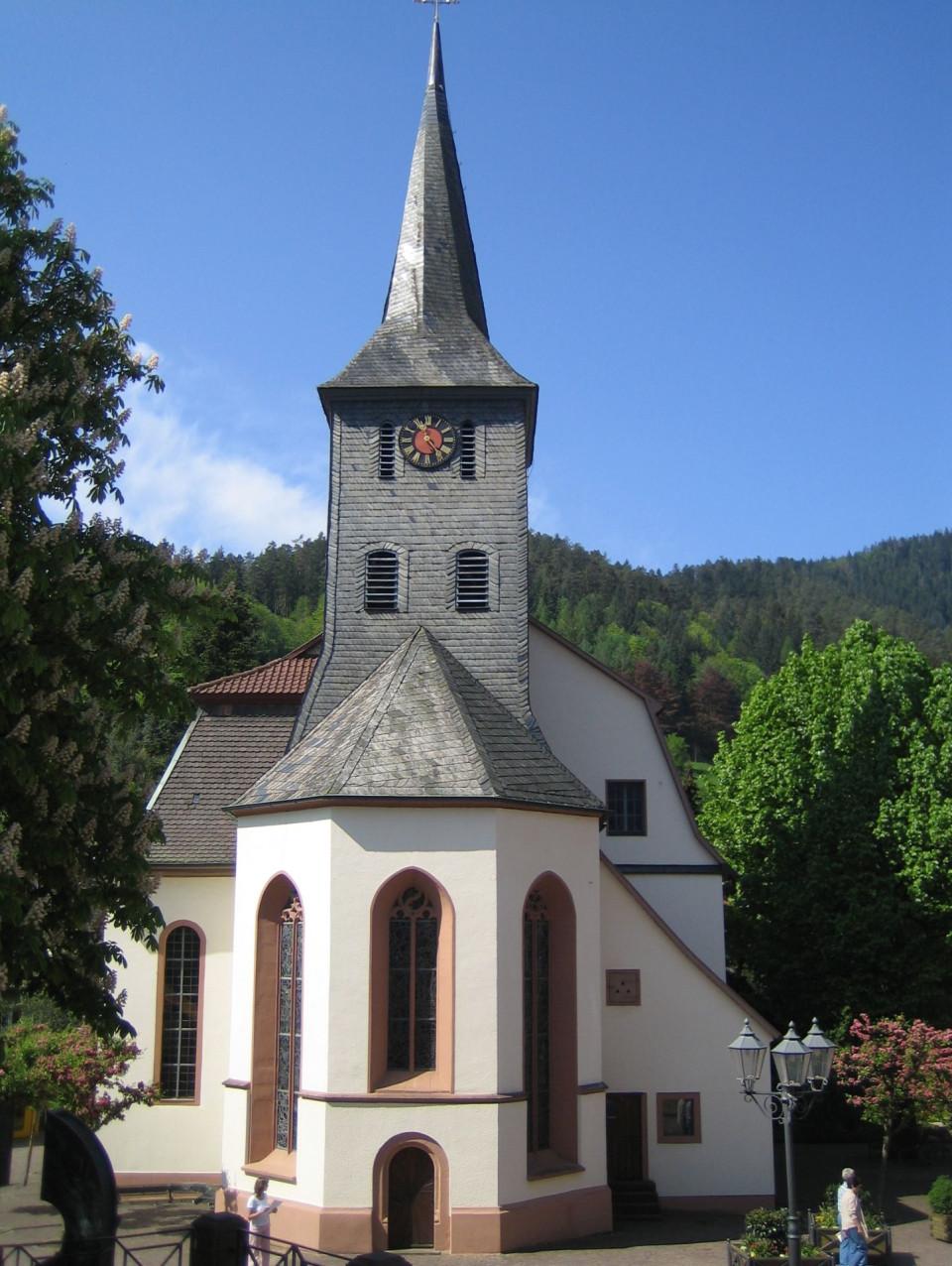 Außenansicht der Evangelischen Kirche